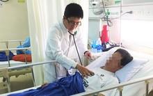 Sau bữa ăn tối, người đàn ông Hàn Quốc nôn ói dữ dội, ngưng tim ngưng thở nguy kịch