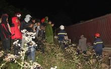 Container trọng tải 50 tấn lật trên quốc lộ đè chết 2 phụ nữ đi bộ