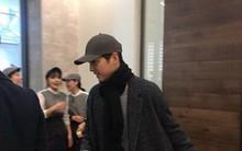 Song Joong Ki một mình lẻ bóng đi dự tiệc đầy năm con bạn thân