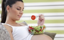 6 thói quen cực tốt bà bầu cần duy trì mỗi ngày để mẹ và bé đều khỏe mạnh, hạnh phúc