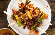Gà xiên nướng kiểu Hàn có gì ngon mà hễ ai thử là mê mẩn?
