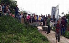 Lào Cai: Cổng trường bất ngờ đổ sập đè trúng nam học sinh lớp 2