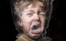 Chỉ một hơi thuốc lá của bố có thể khiến một em bé khỏe mạnh lâm vào tình trạng nguy kịch