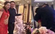Cô gái bị ném xuống đất bất tỉnh trong đám cưới vì bảo vệ cô dâu khỏi nhóm đàn ông sàm sỡ