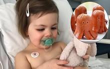 Chỉ vì miếng xúc xích ở trường mẫu giáo, bé 2 tuổi đã bị hóc nghẹn đến ngưng tim, ngưng thở