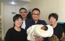 Chuyện lạ có thật: Em bé chào đời sau 4 năm cha mẹ qua đời