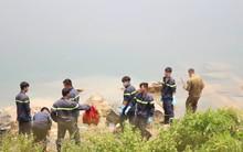 Nam sinh lớp 7 chết đuối dưới hồ tử thần ở Bình Dương, bố mẹ ngã quỵ: