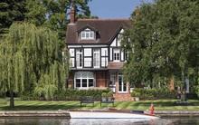 Toad Hall - ngôi nhà ven sông tuyệt vời dành cho những người yêu thiên nhiên