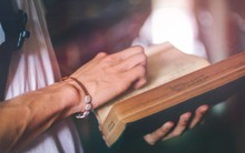 Những ngày tôi ở Úc & nền giáo dục lạ kỳ: Lũ trẻ mê đọc trên bus, bài về nhà chỉ 1 cuốn sách, 14 tuổi đã đi làm thêm dù nhà siêu giàu