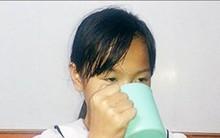 Cô giáo phạt học sinh uống nước giặt giẻ lau bảng nói gì?