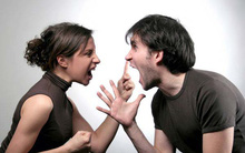 Không vừa ý, mẹ chồng đùng đùng bắt taxi về quê khiến tôi bị chồng gán cho tội bất hiếu