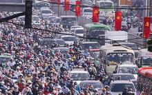 Ảnh và clip: Đường phố Hà Nội, Sài Gòn tắc nghẽn kinh hoàng trong ngày đầu người dân đi làm sau kỳ nghỉ lễ