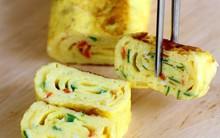 Bí quyết làm trứng cuộn chuẩn ngon tưởng không dễ mà dễ không tưởng