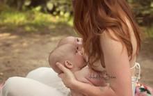 Bộ ảnh thiêng liêng mẹ cho 2 con bú cùng lúc đẹp đến nao lòng