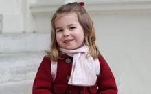 Vừa đón em trai chào đời, Công chúa Charlotte lại vui vẻ đón ngày quan trọng này cùng gia đình