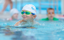 5 điều bố mẹ cần đặc biệt lưu ý để phòng tránh tai nạn dưới nước cho trẻ khi mùa hè đến
