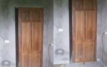 Chiếc cửa hở khe lắp cửa buồng tân hôn vợ chồng trẻ khiến ai nhìn cũng toát mồ hôi: Thế này thì còn làm ăn gì nữa?