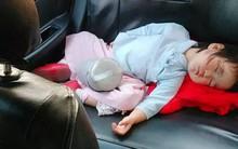 Cuối tuần tuềnh toàng đưa con về ngoại, gặp ngay người yêu cũ lái taxi, mẹ trẻ khóc than dòng đời nghiệt ngã