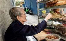 Xe bánh mì Tư Trầu ngon nức tiếng Sài Gòn: 60 năm vẫn