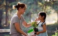 Những cách khen con quen thuộc nhưng thực ra lại phản tác dụng và trẻ không muốn nghe