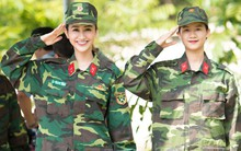 Á hậu Hà Thu và em gái xinh đẹp bất ngờ cùng