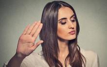 Phụ nữ đôi khi phải lạnh lùng, thô lỗ: Lời khuyên của cô gái sau cuộc nói chuyện với người đàn ông lạ khiến chị em gật đầu khen ngợi