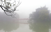 Bâng khuâng vẻ đẹp Hồ Gươm Hà Nội trong sương sớm ban mai