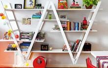 Sử dụng giá sách một cách thông minh để trang trí nhà