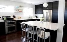 Trang trí bếp quyến rũ với hai gam màu trắng đen kinh điển
