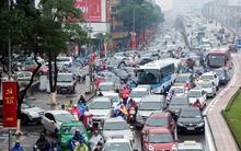 Hà Nội: Mưa rét khiến nhiều tuyến đường ùn tắc kinh hoàng giữa trưa