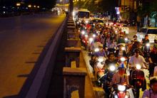 Hà Nội: Cấm đường Kim Mã để xây Metro, một bên tắc kinh hoàng, một bên vắng tanh