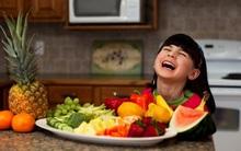 """Muốn con khỏe mạnh hãy cho trẻ ăn theo """"chế độ dinh dưỡng cầu vồng"""" ngay từ bây giờ"""