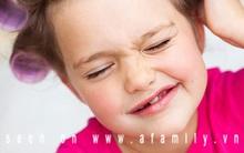 Khi con gái thích đánh phấn tô son