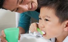 5 thói quen xấu có hại cho răng của bé