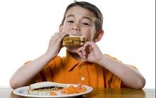 Ăn sáng đều đặn khiến con thông minh hơn