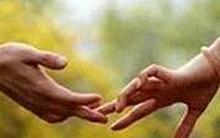 Yêu thương người khác là sưởi ấm trái tim mình