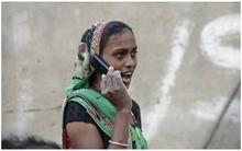 Ngôi làng cấm phụ nữ sử dụng điện thoại di động để tránh...