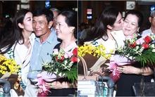 Á hậu Quốc tế Thúy Vân ôm hôn bố mẹ ngay khi về đến sân bay Tân Sơn Nhất