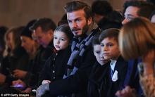 Harper Beckham thờ ơ với show diễn thời trang của mẹ