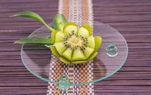 Cách cực dễ cắt tỉa kiwi thành bông hoa đẹp xinh