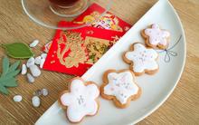 Video: Hướng dẫn làm bánh hoa đào xinh yêu đãi khách Tết này!
