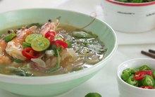 Vào bếp nấu miến hải sản nóng ngọt ngon đổi món cuối tuần