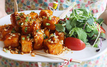 Học người Hàn cách làm đậu phụ chiên sốt chua cay siêu ngon