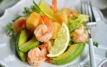 Thêm vào thực đơn cuối tuần món salad tôm đẹp mắt ngon miệng