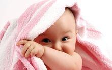Mách mẹ cách mát-xa giữ ấm cho bé trong ngày rét