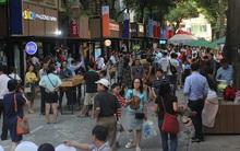 Hàng nghìn người Sài Gòn hào hứng tham quan đường sách đầu tiên của Việt Nam