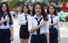 Nữ sinh Học viện Hàng không trổ tài nhảy múa trên phố đi bộ Nguyễn Huệ