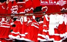 Chọn mua trang phục Giáng sinh rẻ và đẹp cho con yêu