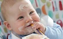 Trẻ trong độ tuổi nào thì được ăn sữa chua?