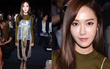 Jessica nổi bật với váy sequin tại show diễn Vera Wang